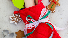 Christmas gift wrapping idea  with oven mitt,kitchen utensils an