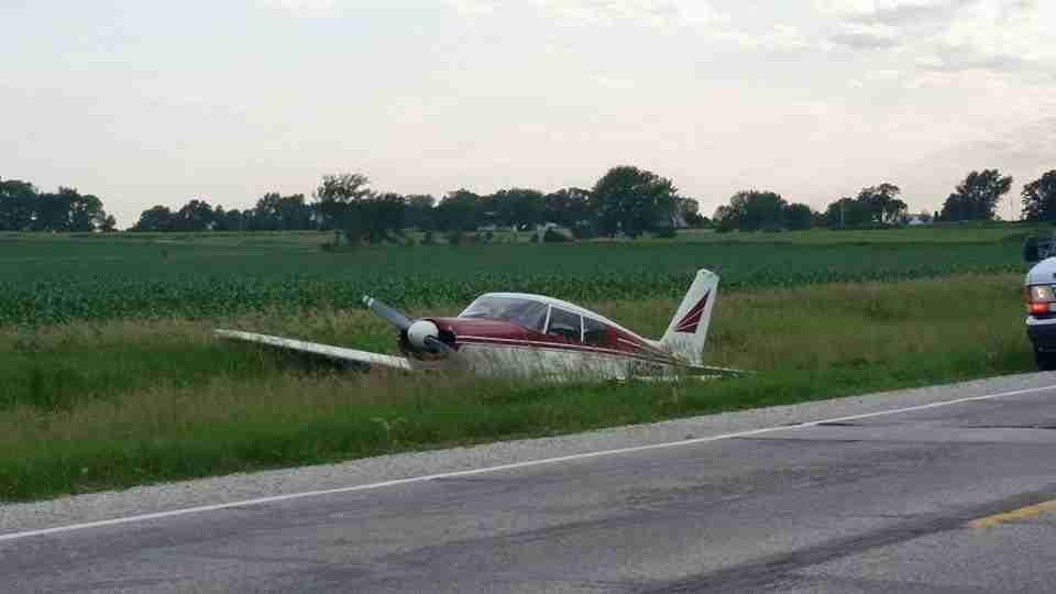 plane crash lands east of Charles City