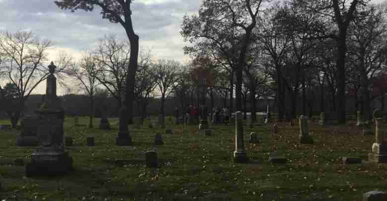 CC Middle Schoolers learn about veterans buried at Riverside Cemetery