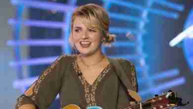 Photo of Maddie Poppe sings 'Landslide' to leave final American Idol impression