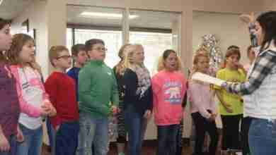 Photo of Lincoln Select Choir Spreads Holiday Cheer With Christmas Carols