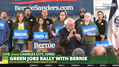 Photo of Bernie Sanders visits Floyd County